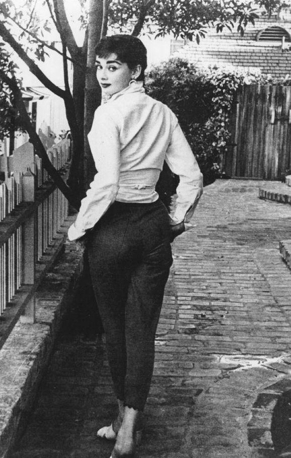 Best 25 Audrey Hepburn Height Ideas On Pinterest Audrey Hepburn Oscar Audrey Hepburn Age And