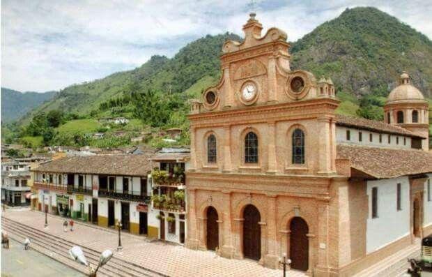 Colombia - Templo en Riosucio, Caldas.