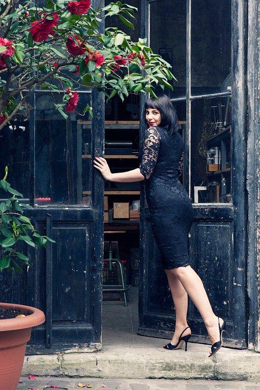 Photo: No.11,Photographer: Carla Coulson, Model: Miss Pirisi, Location: Paris atelier 6eme