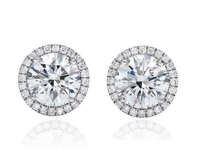Cercei Diamonds Halo One & Two Borealy http://www.borealy.ro/bijuterii/bijuterii-mireasa/cercei-one-two-made-with-swarovski-elements.html