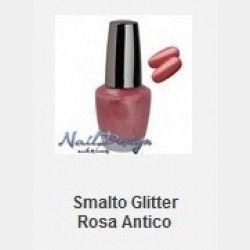 Smalto Glitter Rosa Smalto glitterato, facile da stendere, rende le unghie brillanti. Ha un'effetto coprente e si asciuga facilmente.     In vendita su: http://www.trucconatura.com Disponibile: € 3,60