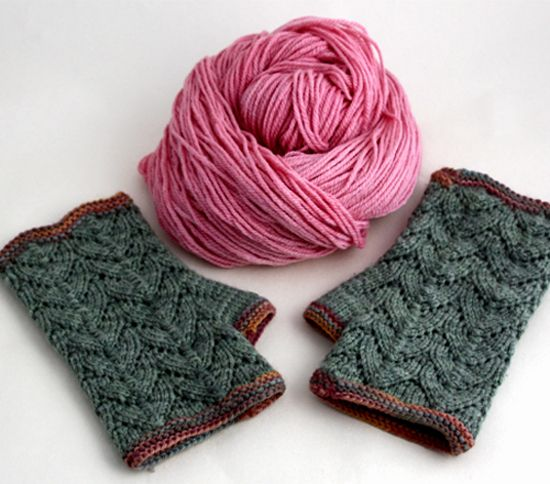 'Cranford' knit mitts (free pattern)