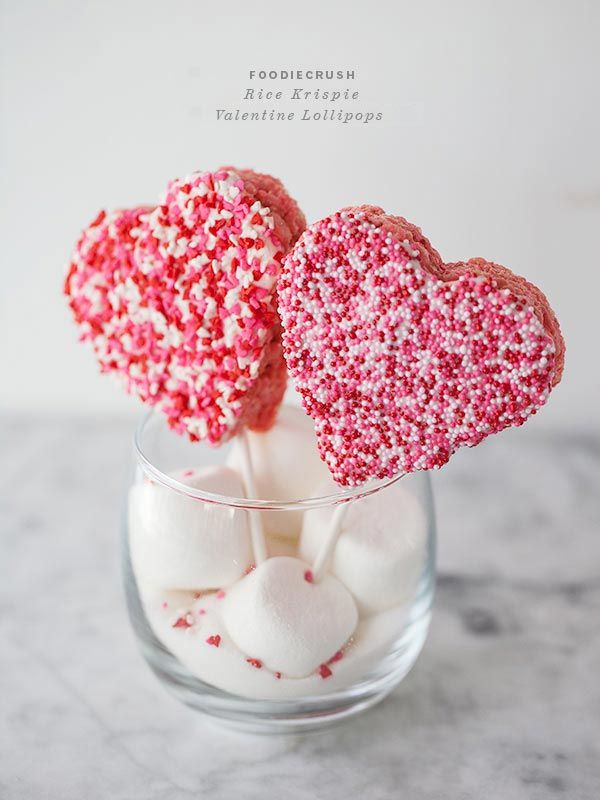 Rice Krispie Valentine Lollipops || FoodieCrush