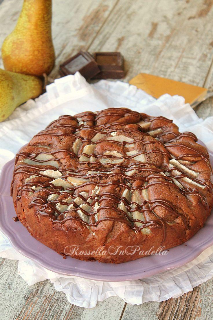 Torta pere cioccolato e mascarpone, come sopra ad una nuvola. Una torta molto soffice che abbina pere, cioccolato e mascarpone, senza burro nè olio.