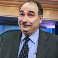 David Axelrod caught emailing killary clinton at personal address he knew nothing about 7/1/15 These 'criminals' are disgusting.