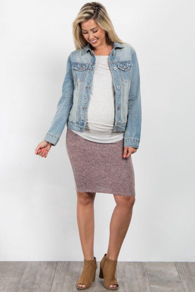 217a04ba9c3 A heathered maternity pencil skirt. Elastic waistband.
