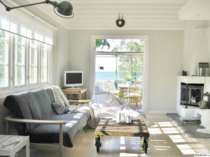 vardagsrum,allrum,altan utgång,lastpall/bord,tv