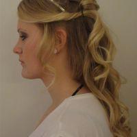 volwassenen-bruid-blond-klassiek-half-opgestoken-diadeem