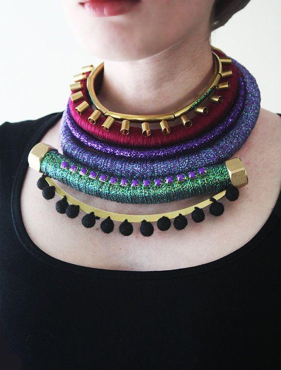 OOAK joyas africanas inspirado, Multistrand envuelto collar, collar de cuerda, bisutería, tribales, púrpura, violeta, marrón