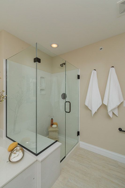 Mill Crossing Display, Master Bath. Rimless Shower Door, Cultured Marble  Enclosure, Oil