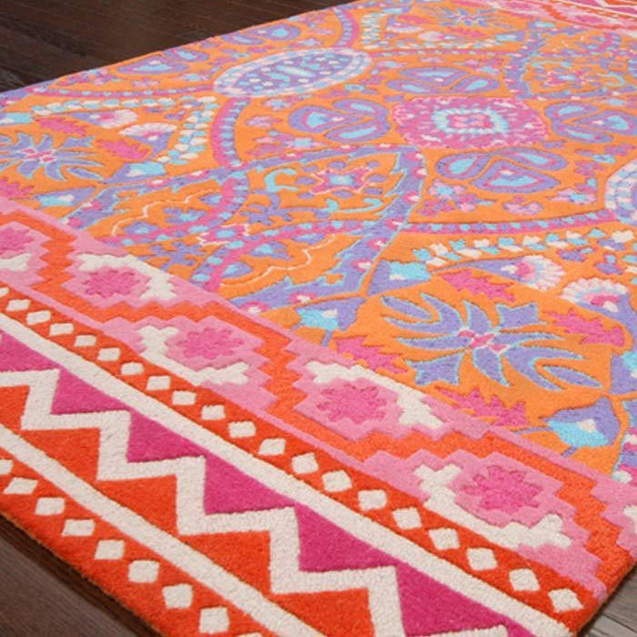 How beautiful!  This rug would look so pretty in an office or small space with a pale gray on the walls.