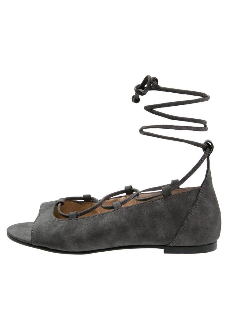Esprit FELKA Sandały baleriny sznurowane z odkrytymi palcami black