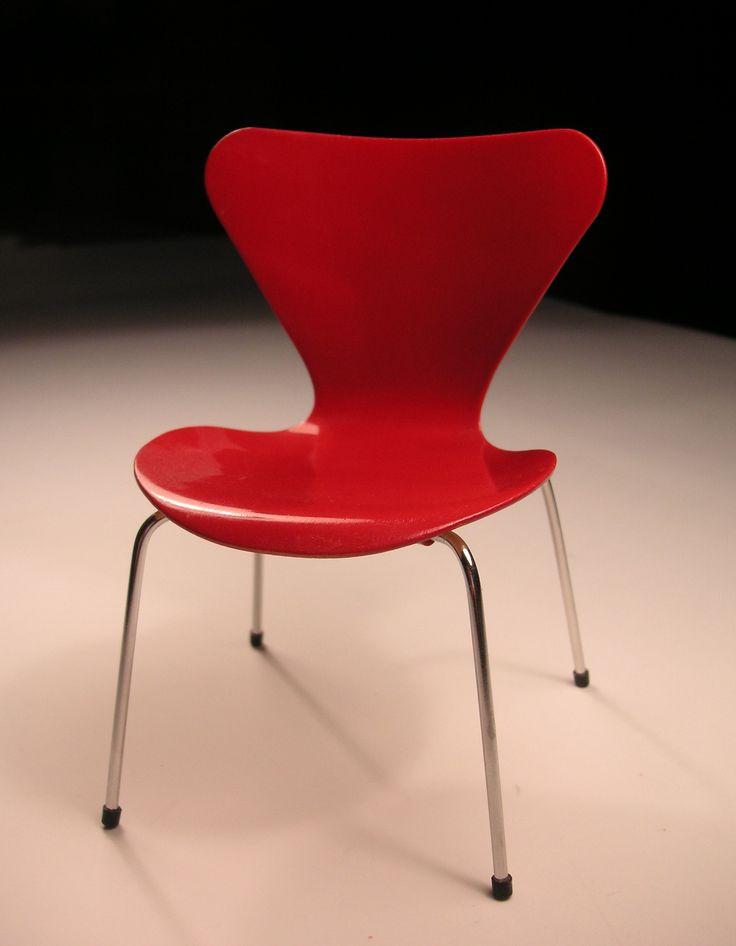 Via Gisela Linder   Arne Jacobsen Series 7 Chair