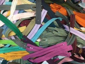 Offerta 100 cerniere di vari colori e misure