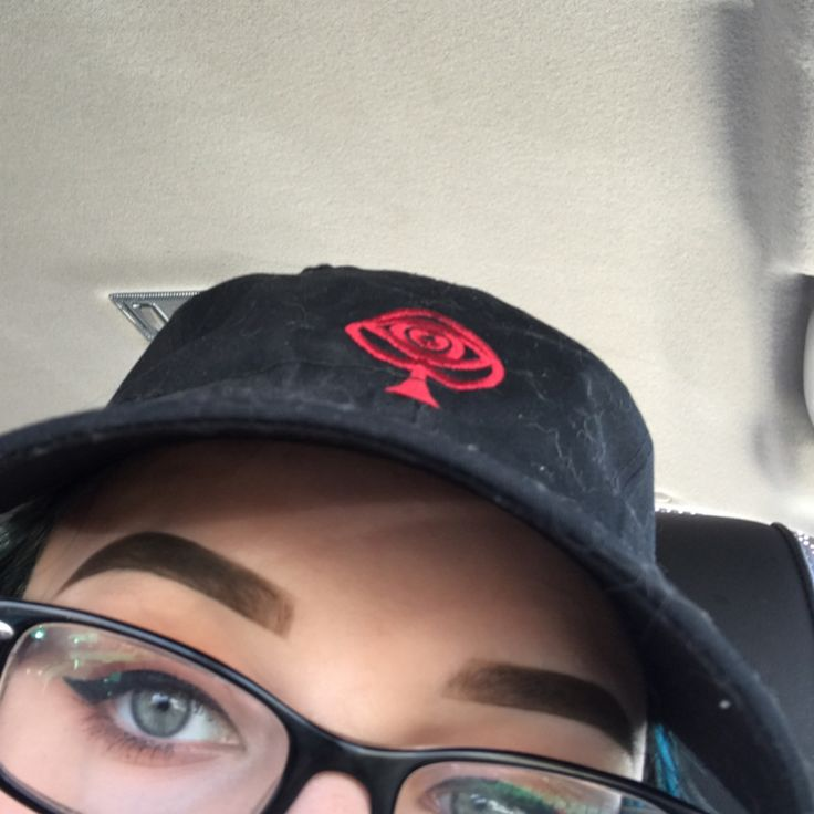"""the brows saw their favorite band in the whole world the other day in Anaheim on the Young Renegades Tour !! (swipe for pictures) if you haven't heard of All Time Low or haven't been to one of their shows you're missing out (btw the sign says """"we came all the way from Boston for this show"""" #eyebrows #browsatconcerts #funtimes #alltimelow #youngrenegadestour http://ameritrustshield.com/ipost/1554635173512735981/?code=BWTLHQYjezt"""