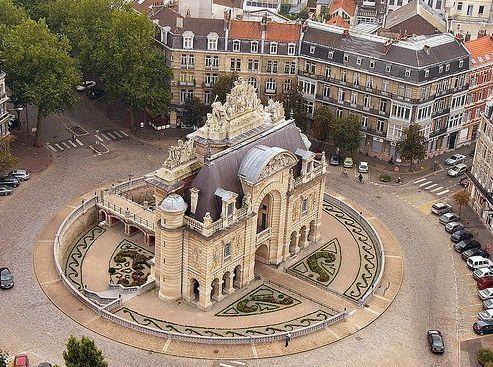 Le Vieux Lille Nord de la France. http://www.fasthotel.com/nord-pas-de-calais/hotel-lille-aeroport