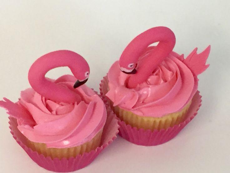 Flamingos cupcakes - electric pink