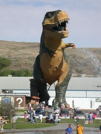Drumheller, Alberta: There are numerous dinosaur statues around Drumheller, most notably this 25-metre-tall Tyrannosaurus Rex.