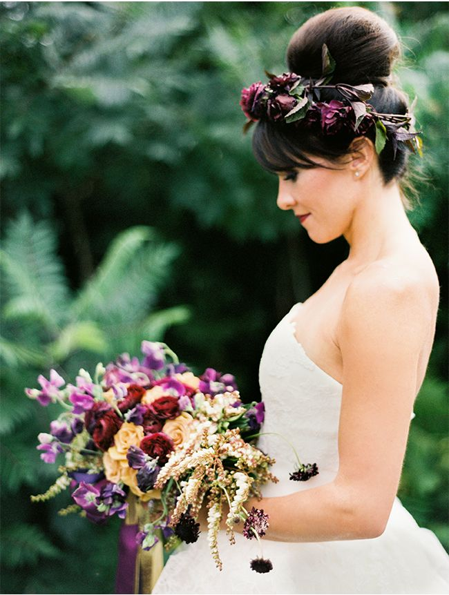 love everything about this via StyleUnveiled.com / Cori Cook Floral Design / Brumley & Wells / Glamour Wedding Ideas