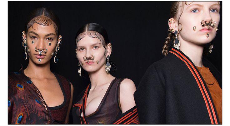 Les backstage beauté du défilé Givenchy automne-hiver 2015-2016