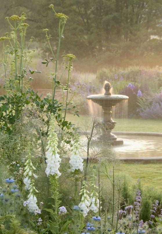 120 stunning romantic backyard garden ideas on a budge (64) #BackyardGardening