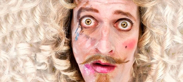 """LA COMPAÑÍA NACIONAL DE TEATRO CLÁSICO ESTRENA """"EL LINDO DON DIEGO"""" EN EL PAVÓN DE MADRID    Perteneciente a las llamadas comedias de figurón, """"El lindo Don Diego"""" es una de las obras maestras de Agustín Moreto, cronológicamente el último de los dramaturgos del teatro barroco español. La Comapañía Nacional de Teatro Clásico la acaba de estrenar en su sede del Teatro Pavón de Madrid. La versión es de Joaquín Hinojosa y la dirección corre a cargo de Carles Alfaro.#teatro #madrid"""
