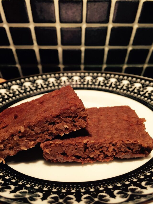 Blackbean Pumpkin Slice Purée 2 cups steamed pumpkin with 3 eggs, one 400g tin rinsed blackbeans, 3/4 cup brown sugar, 1tsp each baking powder & vanilla essence, 1 tbsp raw cacao powder. Add 1 cup desiccated coconut. Pour in lined baking tray, bake 45 mins 175C.