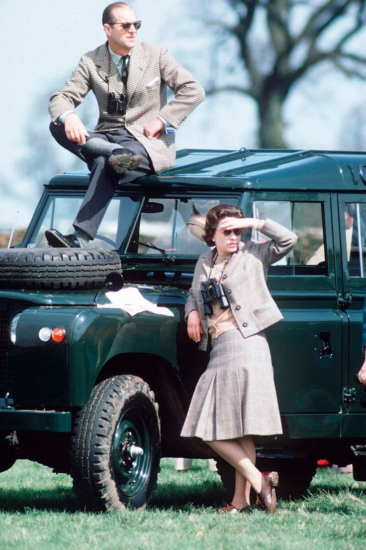 Queen Elizabeth and Prince Phillip at the horse races (1968).This looks a lot like the Hummer's built today!