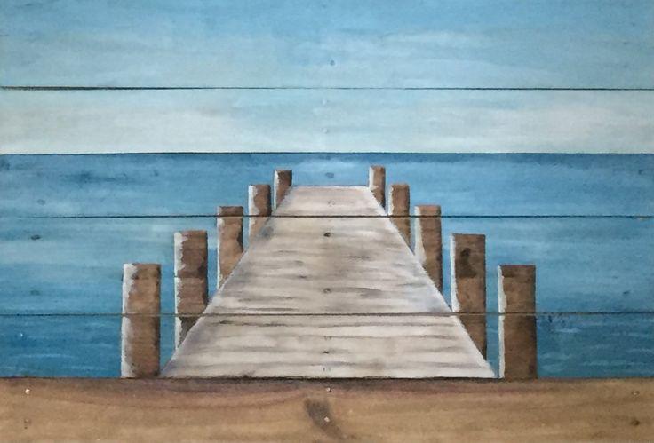 Pintura original de un muelle que se extiende hacia fuera en el agua, basa en él. Fue creado por pintura sobre madera de tablero de palet recuperado. El tablero inferior incluye arena. Mide aproximadamente 35 de ancho por 24 de alto. Perfecto para tu casa de playa o lago.   De envío gratis.