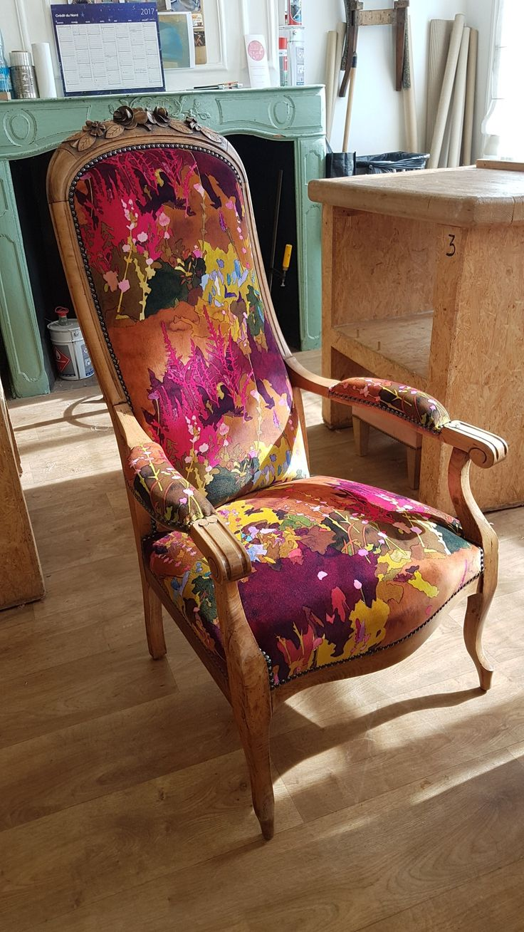 voltaire pierrefrey utopia tapisserie ameublement. Black Bedroom Furniture Sets. Home Design Ideas