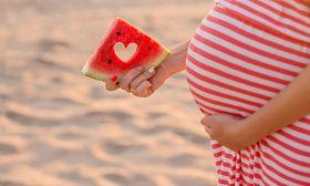 Oι επτά τροφές που θα σας κρατήσουν ενυδατωμένες το καλοκαίρι κατά την εγκυμοσύνη σας   Αν είστε έγκυος το καλοκαίρι έχετε έναν ακόμα λόγο να διατηρείτε τον οργανισμό σας ενυδατωμένο.  from Ροή http://ift.tt/2tLC89x Ροή