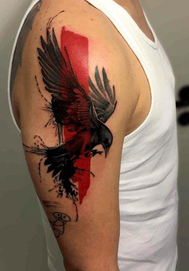 Tatouage corbeau trash polka bras