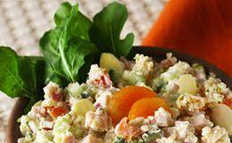 Salada de quinoa com damasco e peito de peru: receita é assinada pela chef Ivy Oliveira.
