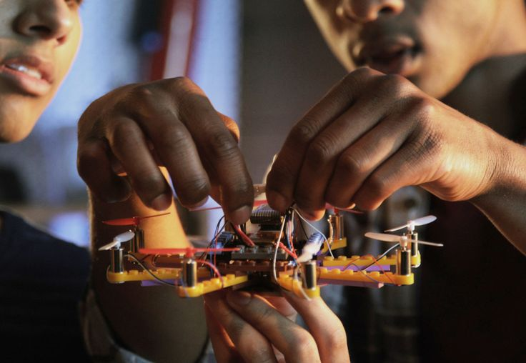 A company called Flybrix is putting legos on the wing. The San Francisco startup…