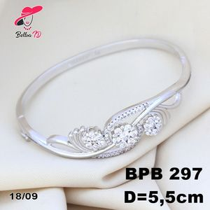 Jual Perhiasan Xuping Gelang Marilyn Permata Zircon Silver PB 297 - Bellva ID | Tokopedia  Perhiasan Xuping Lapis Emas 18k, Awet dan Tahan Lama, pancaran kilau cantik . Tampil cantik dengan keunikan pilihan model dan warna sesui hati anda  Fast Respon Pin BBM : D5B0B9AB  WA/SMS/Telp : 081546577219  bahan dasar tembaga (bukan besi). dilapisi RODHIUM yang biasanya digunakan untuk melapisi emas di toko-toko emas 18k.Permata Zircon, Bisa di sepuh ulang dan anti alergi.