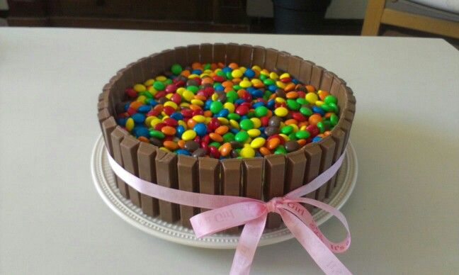 Kitkat M&M's cake