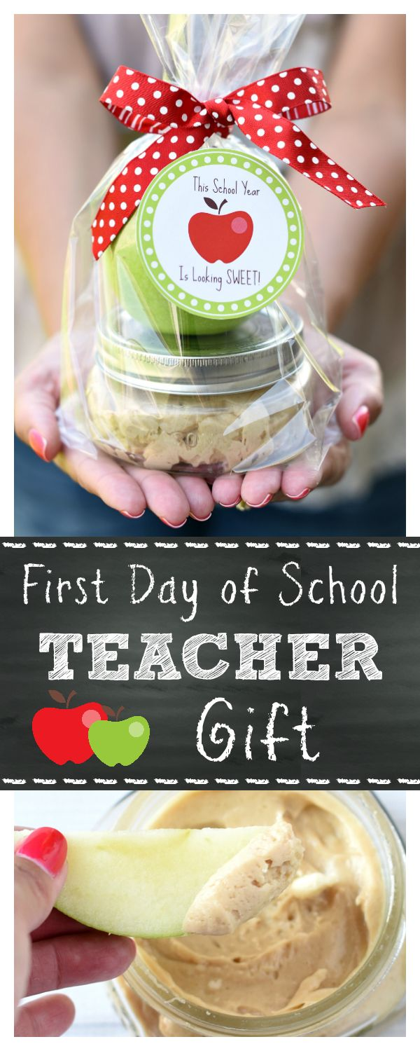 Caramel Apple Teacher Gift Idea | Time for back to school. This caramel apple teacher gift idea is the perfect way to show how much you appreciate your teacher! Yummy and so cute!