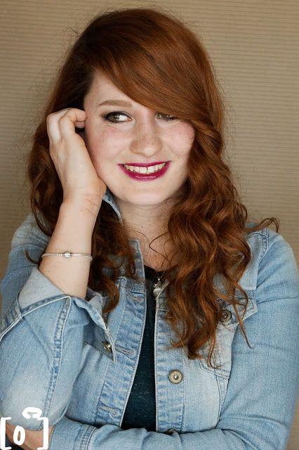 Lucka z Be Fabulous :) a focení s Palatin Photography :) na fotce má fialovou rtěnku ze svého e-shopu