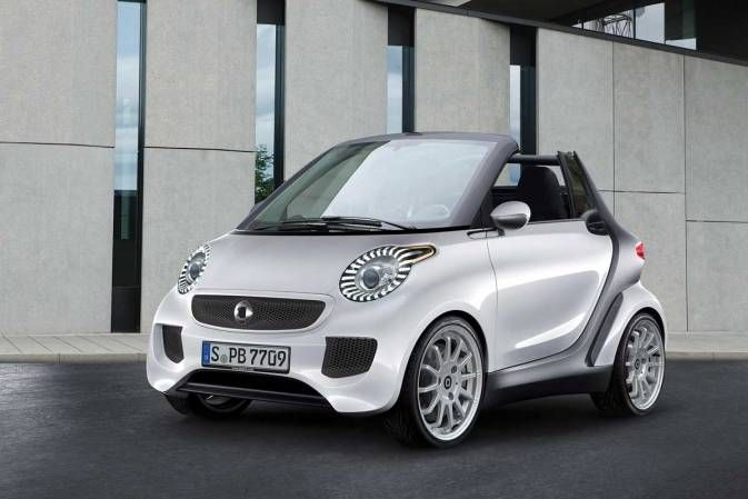 Take a look at what's coming to Geneva in March: The new Smart ForTwo, giant headlights and all. Mercedes hasn't released photos yet, but the Geneva Auto Show was nice enough to post one on its site.