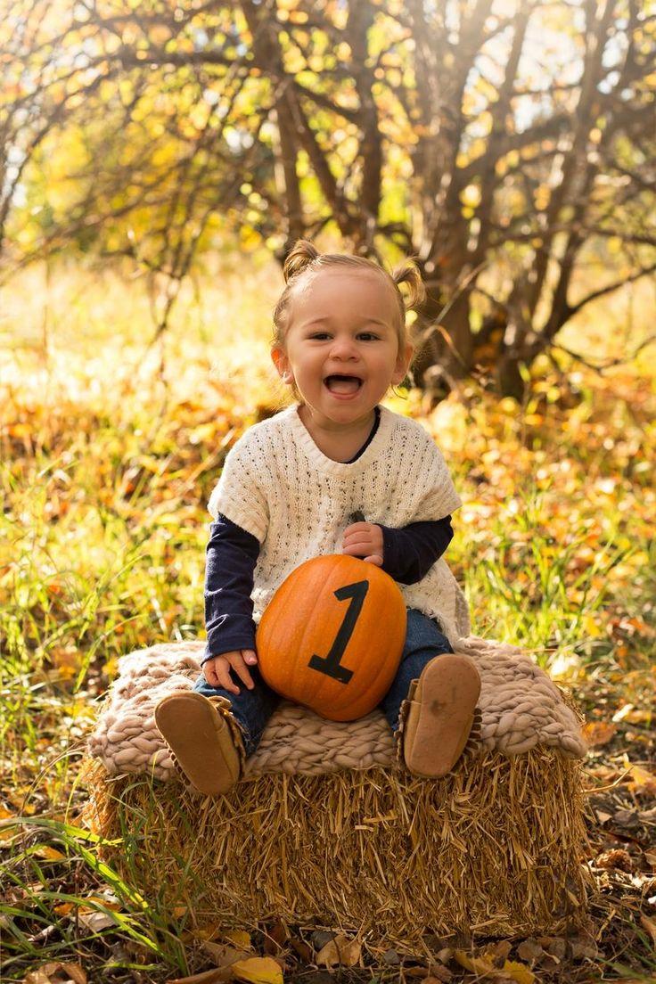 One year old fall session. #katrinavancampphotography #highriver #pumpkin