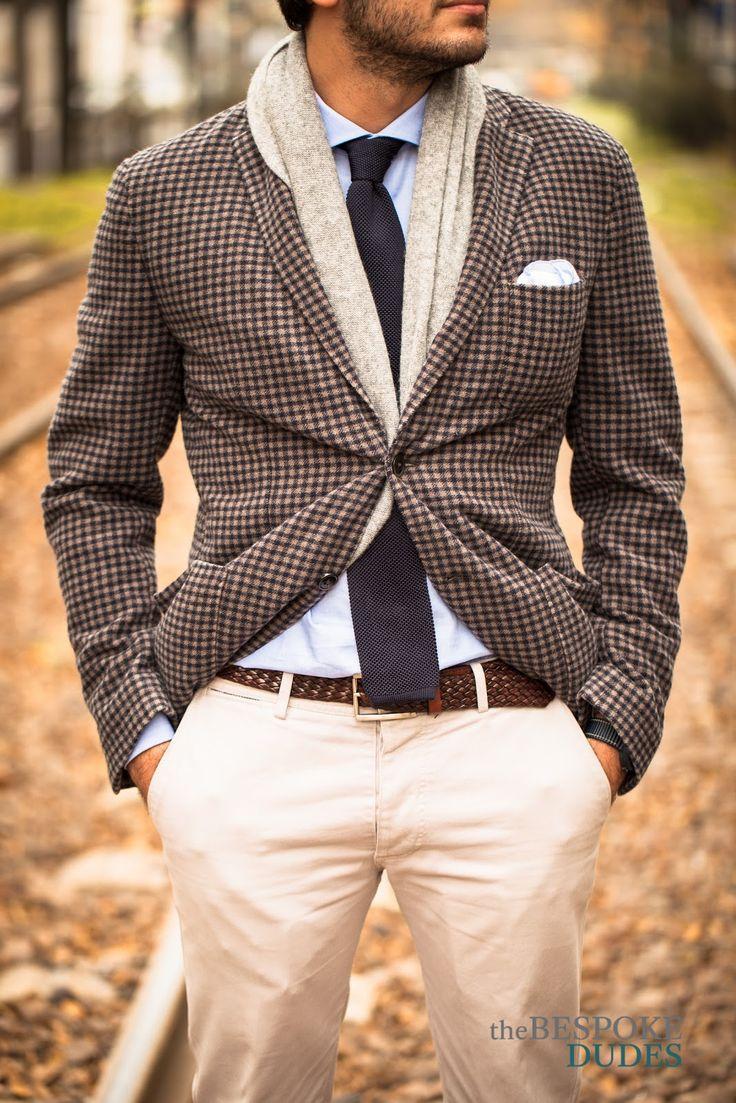 Cashmere blazer, knitted tie, braided leather belt, kaki ...
