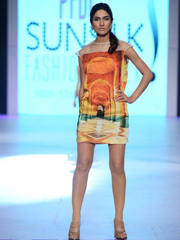 Roodaba Omar - Pakistan Fashion Week