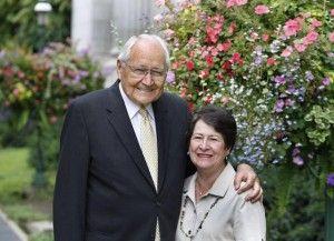 Elder L. Tom Perry (izquierda), junto a su esposa Barbara (derecha). Martes 31 de Julio de 2012 en Salt Lake City, Utah. (Tom Smart, Deseret News)