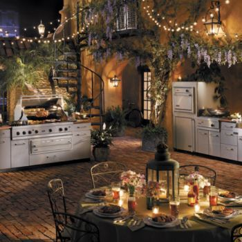 outdoor kitchen: Dreams, Outdoor Living, Kitchens Ideas, String Lights, Outdoor Kitchens, Outdoorkitchen, House, Backyards Kitchens, Outdoor Spaces