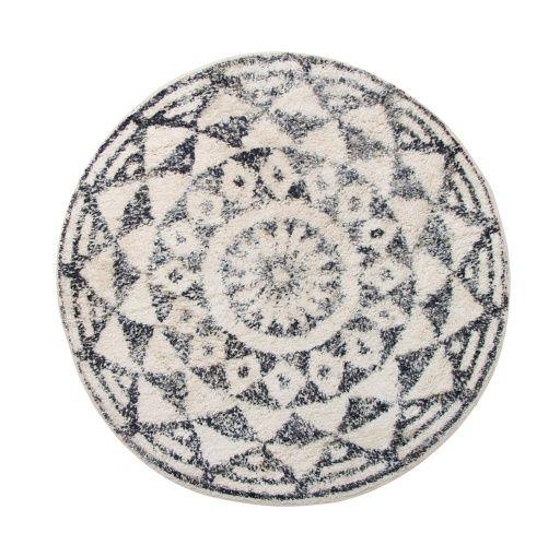 HK Livingin pyöreä mustavalkoinen matto on valmistettu puuvillasta. Tämä trendikäs matto sopii esimerkiksi kylpyhuoneeseen. Pohjassa on liukuestekäsittely. Valmistettu Intiassa.  Koko: ø 80 cm Väri: musta/luonnonvalkoinen Materiaali: 100% puuvilla Hoito-ohje: Konepesu 40 astetta. Rumpukuivaus kielletty. Valkaisu kielletty. Silitys kielletty.  HUOM! Seuraava toimituserä saapuu arviolta viikolla 17-18.