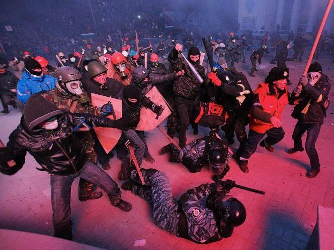 Cinco manifestantes han muerto en las protestas proeuropeas en Ucrania, que se han tornado especialmente violentas en los últimos días (© Ge...
