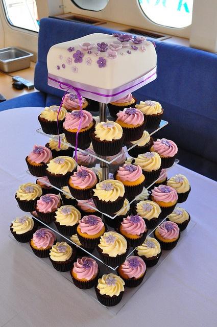 Purple wedding cupcakes by Cupcake Passion (Kate Jewell), via Flickr