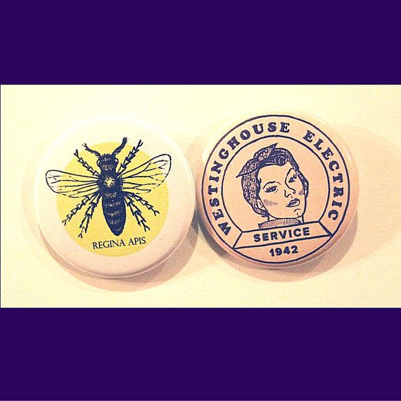 Pins féministes (lot de 2) - Vintage Rosie la riveteuse Pin & Queen Bee Pin