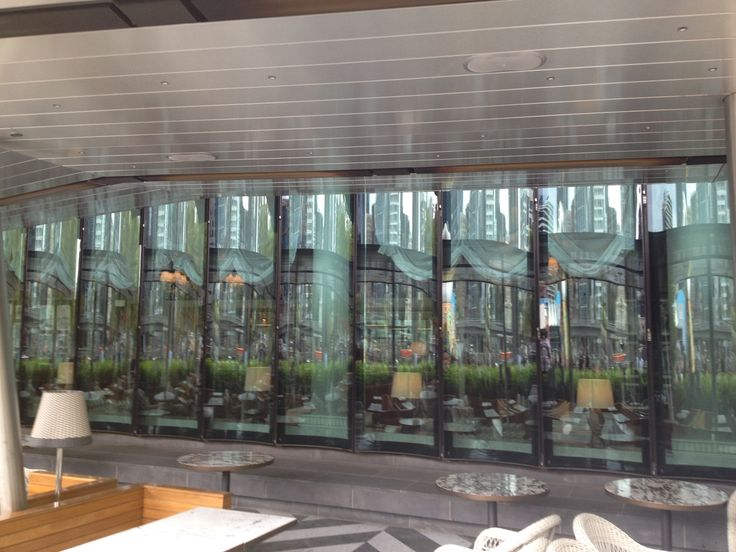 Fluted pattern on glass wall outside Rosseta Restaurant.