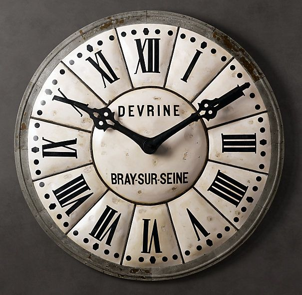 In the French village of Bray-Sur-Seine, time seems to stand still. Fittingly, the original of our clock face hails from there, where it marked the hours beneath the spire of an early 20th-century stone tower.